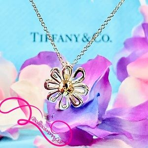 Tiffany & Co. 18k Gold & 925 Daisy Flower Necklace